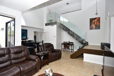 Boca Raton Townhouse For Sale: 5762 Fox Hollow Drive #C