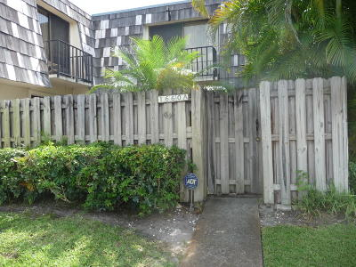 West Palm Beach Townhouse For Sale: 1660 Forest Lakes Circle #A