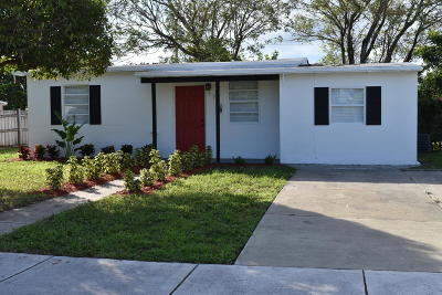 Pompano Beach Single Family Home For Sale: 1748 NE 49 Street