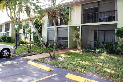 Boynton Beach Condo For Sale: 9875 Pineapple Tree Drive #107