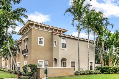 Boynton Beach Townhouse For Sale: 262 Lake Monterey Circle