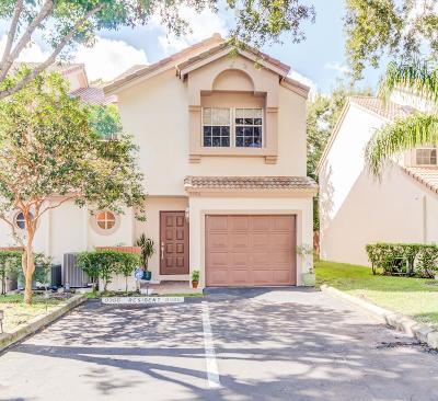 Boca Raton Townhouse For Sale: 9396 Boca River Circle #43