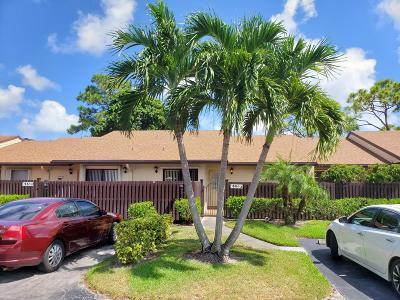 Greenacres FL Condo For Sale: $185,000
