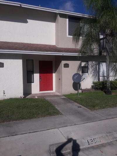 Lake Worth Townhouse For Sale: 1305 Riverside Drive