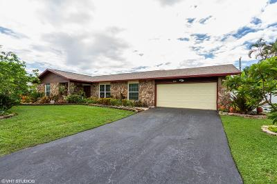 Lake Worth Single Family Home For Sale: 109 W Plumosa Lane