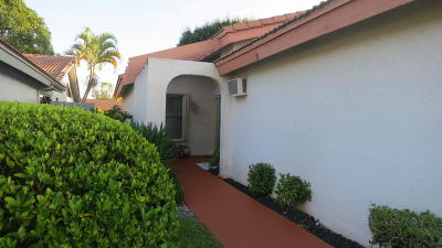 Boynton Beach Single Family Home For Sale: 5509 Lakeview Mews Terrace