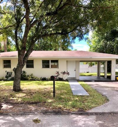 Boynton Beach FL Single Family Home For Sale: $157,900