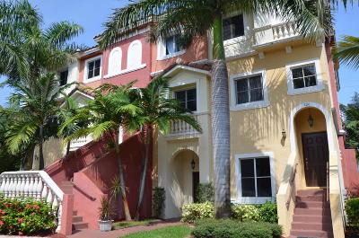 Boynton Beach Townhouse For Sale: 212 Bayfront Drive
