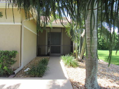 Boynton Beach Single Family Home For Sale: 9870 Watermill Circle #H