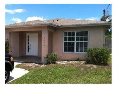 Jupiter Single Family Home For Sale: 6839 4th Street