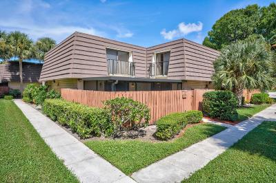 West Palm Beach Townhouse For Sale: 7416 74th Way