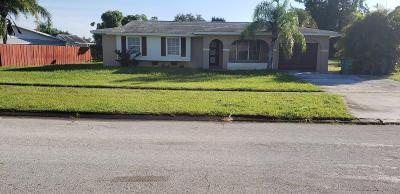 Port Saint Lucie Single Family Home For Sale: 319 NE Camelot Drive #Rx-10419