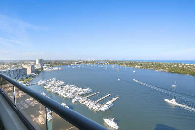North Palm Beach Condo For Sale: 100 Lakeshore Drive #1652