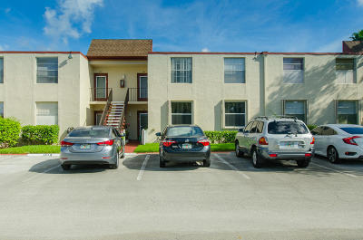 Delray Beach Condo For Sale: 15 Willowbrook Lane #206