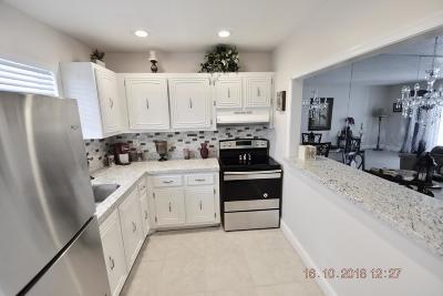 Palm Springs Condo For Sale: 719 Lori Drive #313
