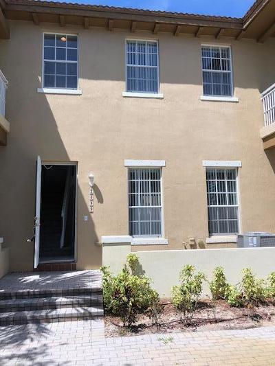 Boynton Beach Townhouse For Sale: 2399 NW 7th Street
