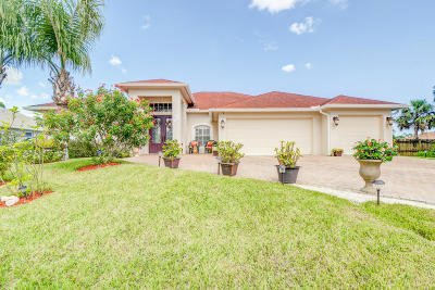 Port Saint Lucie Single Family Home For Sale: 1813 SW Bradway Lane