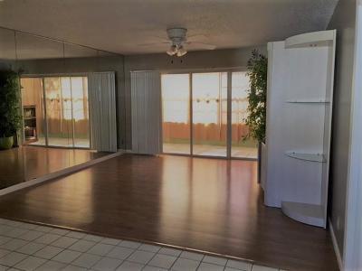 Palm Springs Condo For Sale: 719 Lori Drive #216