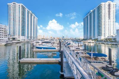 Miami-Dade County Condo For Sale: 17111 Biscayne Boulevard #1903