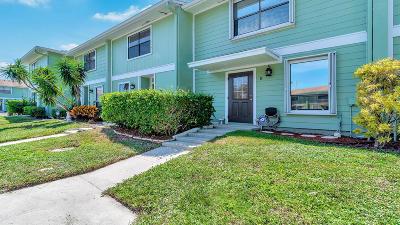 West Palm Beach Townhouse For Sale: 833 Hill Drive #D