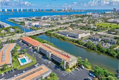 North Palm Beach Condo For Sale: 405 Us Highway 1 #308