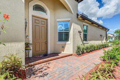 Tradition Single Family Home Contingent: 11050 SW Winding Lakes Circle