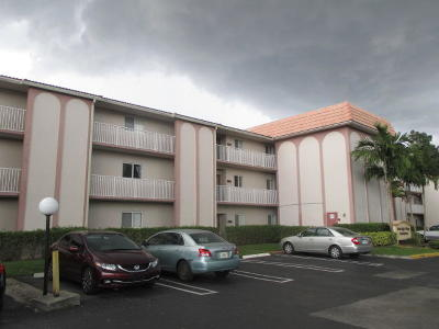 Coral Springs Condo For Sale: 11651 Royal Palm Boulevard #101