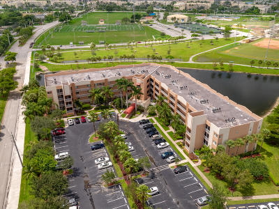 Tamarac Condo For Sale: 7725 Yardley Drive #204