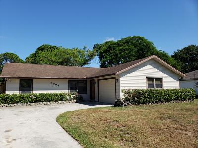 Fort Pierce Single Family Home For Sale: 5704 Myrtle Drive