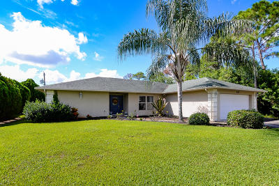 Port Saint Lucie Single Family Home For Sale: 130 SW Airview Avenue