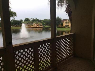 West Palm Beach Condo For Sale: 4855 Via Palm Lakes #919