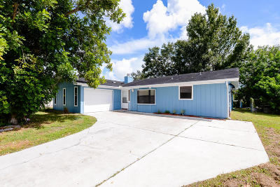 Port Saint Lucie Single Family Home For Sale: 549 NW Cardinal Drive