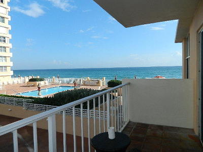 Highland Beach Condo For Sale: 4511 S Ocean Boulevard #106