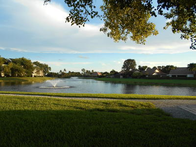 West Palm Beach Townhouse For Sale: 5516 55th Way