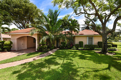 Boynton Beach Single Family Home For Sale: 3 Fairway Drive