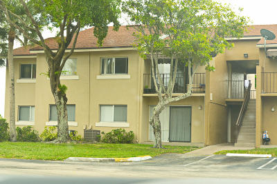 West Palm Beach Condo For Sale: 1151 Lake Terry Drive #O