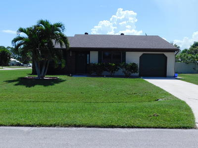 Port Saint Lucie Single Family Home For Sale: 2462 SE Alfonso Avenue