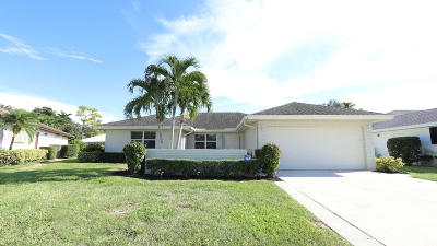 Boynton Beach Single Family Home For Sale: 10716 Greentrail Drive S