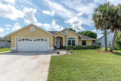 West Palm Beach Single Family Home For Sale: 135 Kings Way