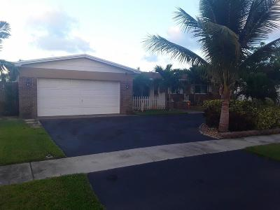 Pembroke Pines Single Family Home For Sale: 1771 NW 85th Avenue