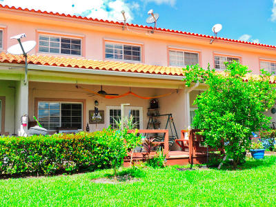 Coral Springs Townhouse For Sale: 9004 NW 40th Street #2