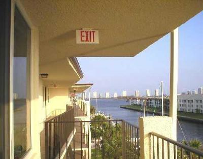 North Palm Beach Condo For Sale: 108 Paradise Harbour Boulevard #509