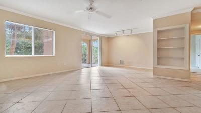 West Palm Beach Condo For Sale: 6410 Emerald Dunes Drive #207