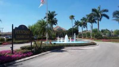 Lake Worth Condo For Sale: 4070 Tivoli Court Court #307