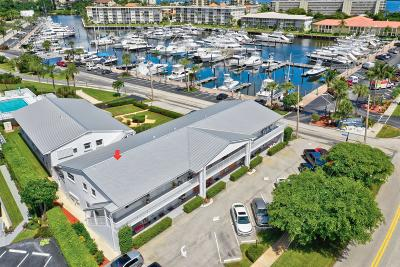 North Palm Beach Condo For Sale: 143 Yacht Club Drive #6