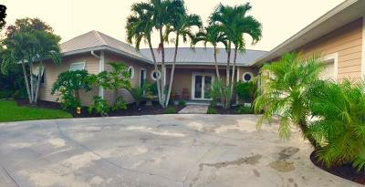 Hobe Sound Single Family Home For Sale: 9837 SE Sharon Street