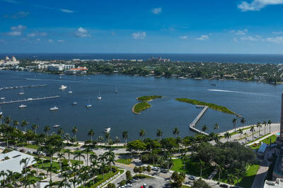 West Palm Beach Condo For Sale: 701 S Olive Avenue #1022