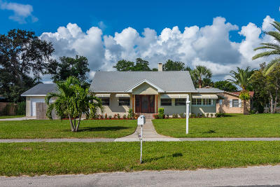 Lantana Single Family Home For Sale: 613 S Lake Drive