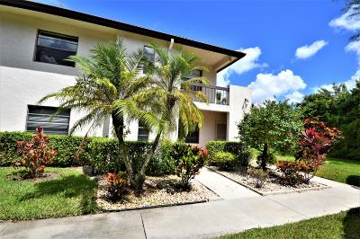 Boca Raton Condo For Sale: 7944 Eastlake Drive #17-D