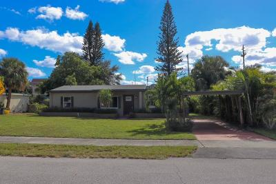 North Palm Beach Single Family Home For Sale: 2672 Lorraine Court